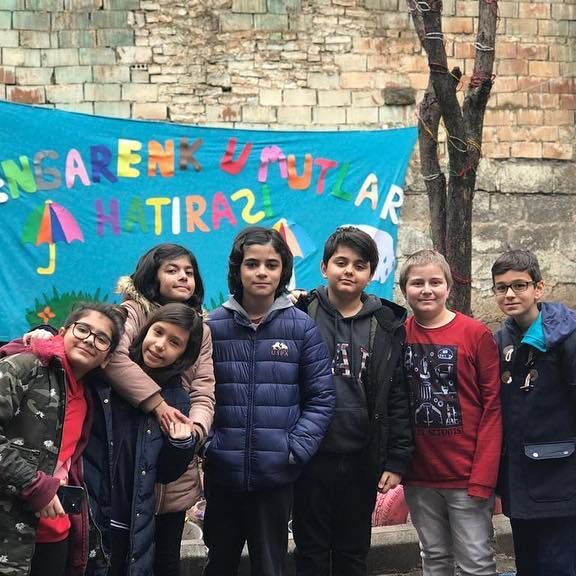 Rengarenk Umutlar Derneği - Çocuklar (Hatıra Fotoğrafı)